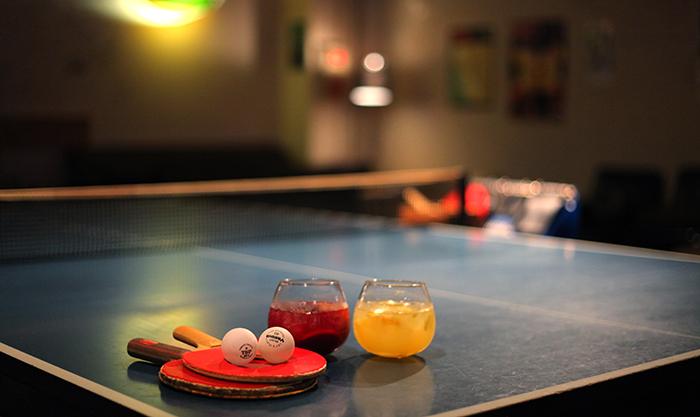 卓球でつながる人と人。お酒が楽しめる、南堀江の異空間Barラウンジ堀江卓球部