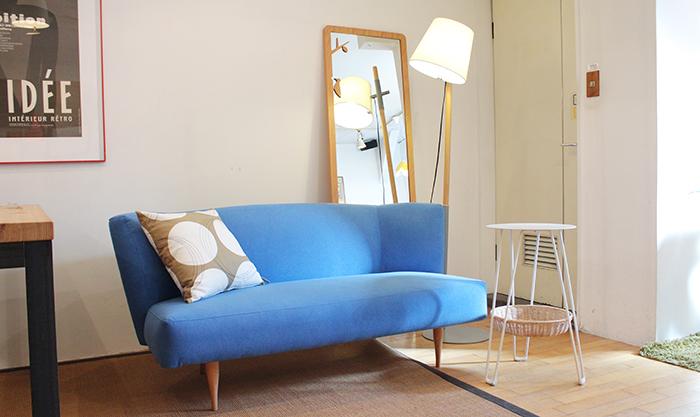 ターコイズのソファー