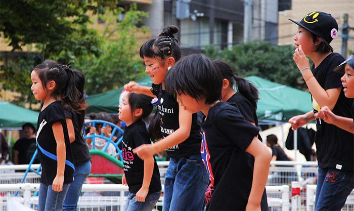 子どもたちのダンスパフォーマンス