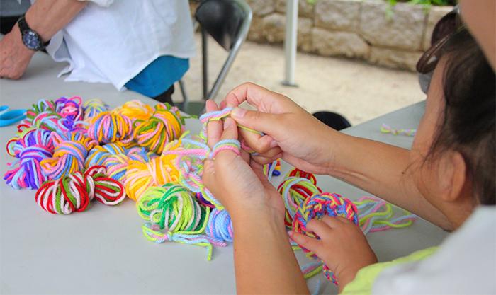 編み物アート