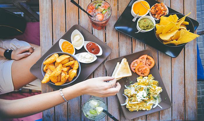 ハンバーガーから、カレー、和食、メキシカンまで!にし恋マルシェのフードを彩る12店をご紹介