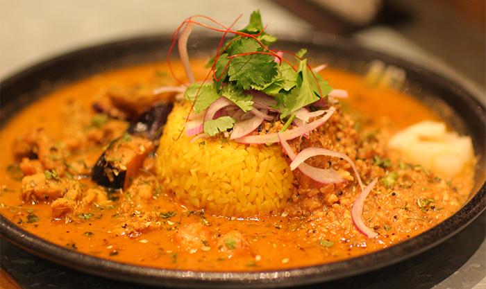 魅惑のスパイス料理を探求!ランチやディナーにも人気の高い北堀江のカレー屋さんWarung (ワルン)の魅力とは?